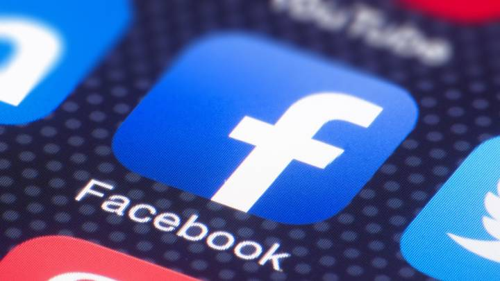 Thanks to the mobile app we can instantly publish almost everything on Facebook. But should we? - To Post or Not to Post on Facebook – What You Shouldn't Share on Social Media? - dokument - 2019-11-25