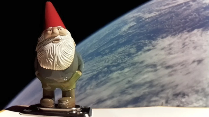 Gabe Newell Kept His Word and Sent Gnome Chompski Into Space - picture #1