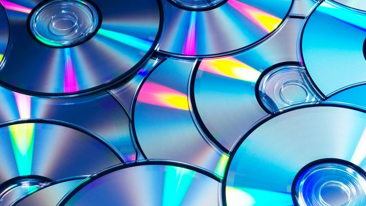 Blu-ray Sales Drop by Half in 5 Years - picture #1
